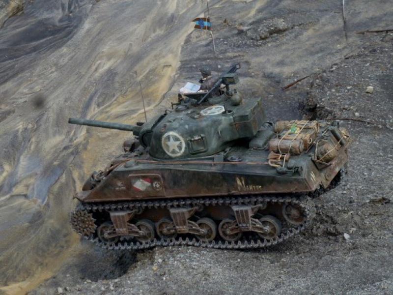 Sherman modifié M4A4 de la 1ère DB  - Page 2 654588P1110281