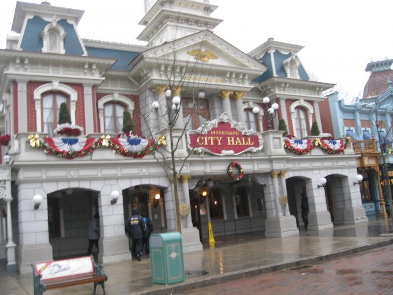 [Disneyland Paris] Disneyland Hotel - chambre Castle Club (8-10 décembre 2010) (début du TR p.9) - Page 8 659458IMG1887