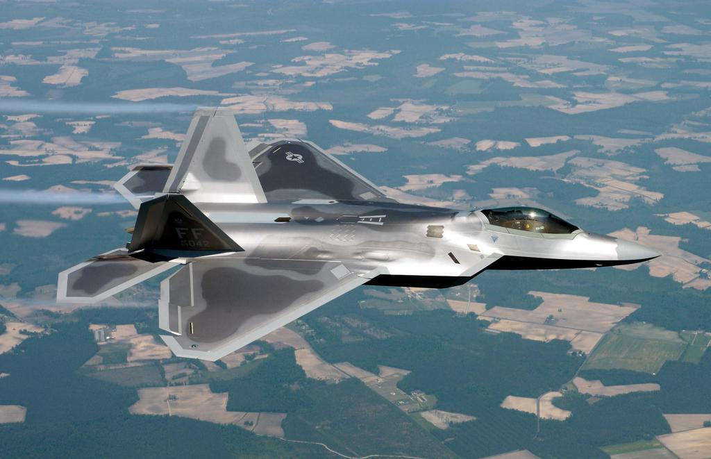 BOEING F/A-18E et F SUPER HORNET  661945LockheedMartinF22Raptor