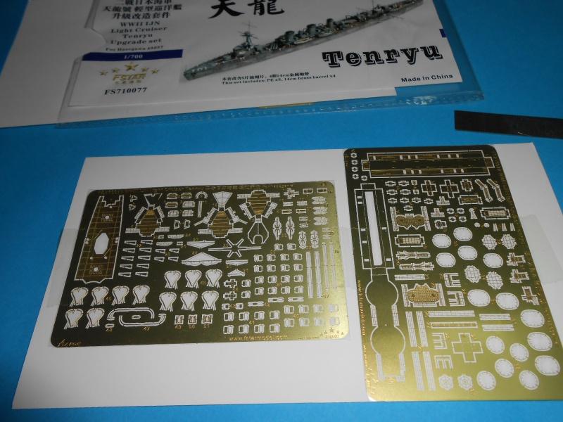 Kaga/Tenryu 1932 1/700 PE/Ponts en bois+Babioles 663455DSCN6953