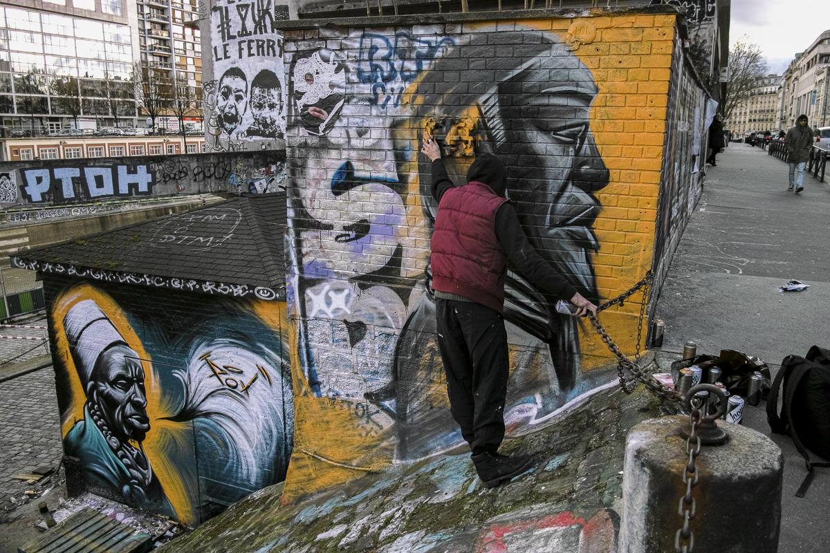 Pox , street art 666139DP1M3132