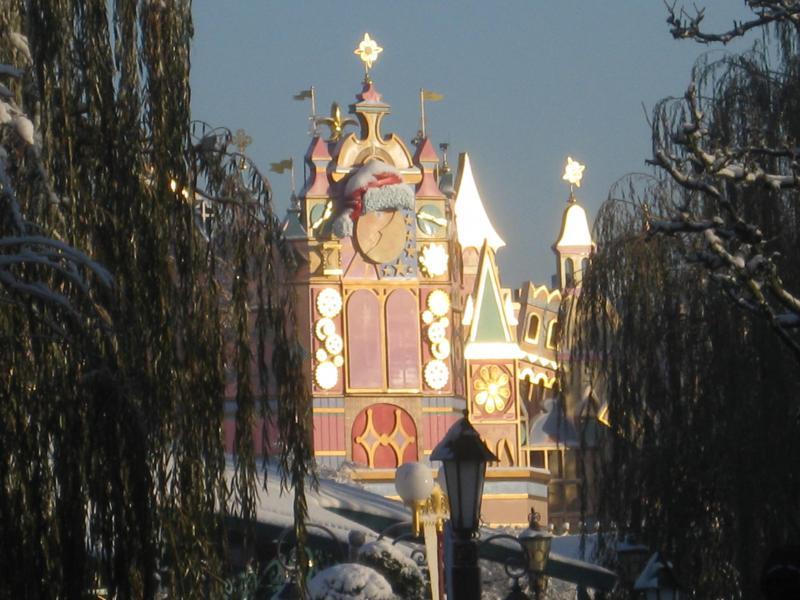 [Disneyland Paris] Disneyland Hotel - chambre Castle Club (8-10 décembre 2010) (début du TR p.9) - Page 9 666747IMG2163