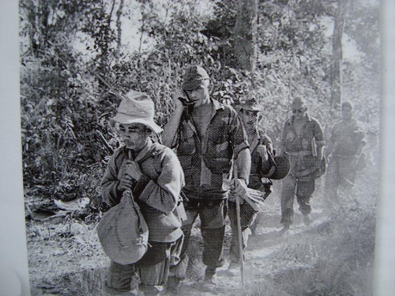 Parachutistes d'Infanterie de Marine (volet n°4 et 5 ) 669024BIGEARDphotosetposts013