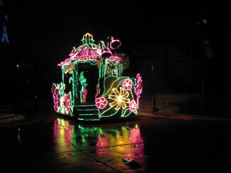 [Disneyland Paris] Disneyland Hotel - chambre Castle Club (8-10 décembre 2010) (début du TR p.9) - Page 10 670469IMG2345