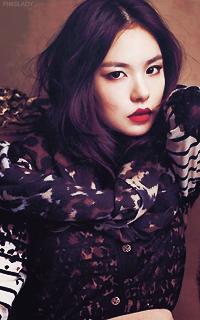 Min Hyo Rin [Libre] (liée au PV de Taeyang) 671305MinHyorin6