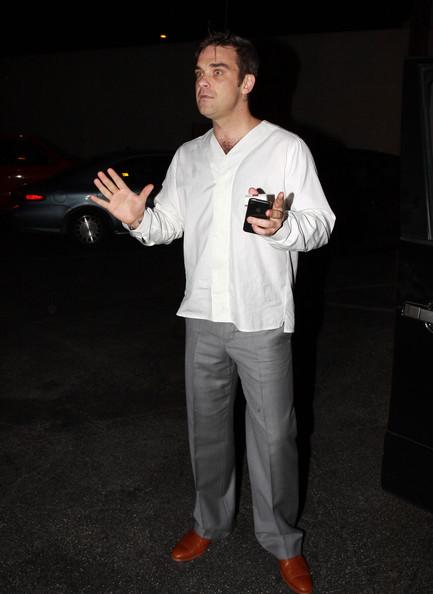 Robbie à Los Angeles 12-01-2011 672789RobbieWilliamsRobbieWilliamsLecturingA1Cc8DsbNJkl