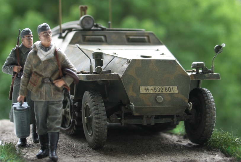 sd.kfz 251/3 Ausf D early  AFVclub 1/35 673409IMG0014
