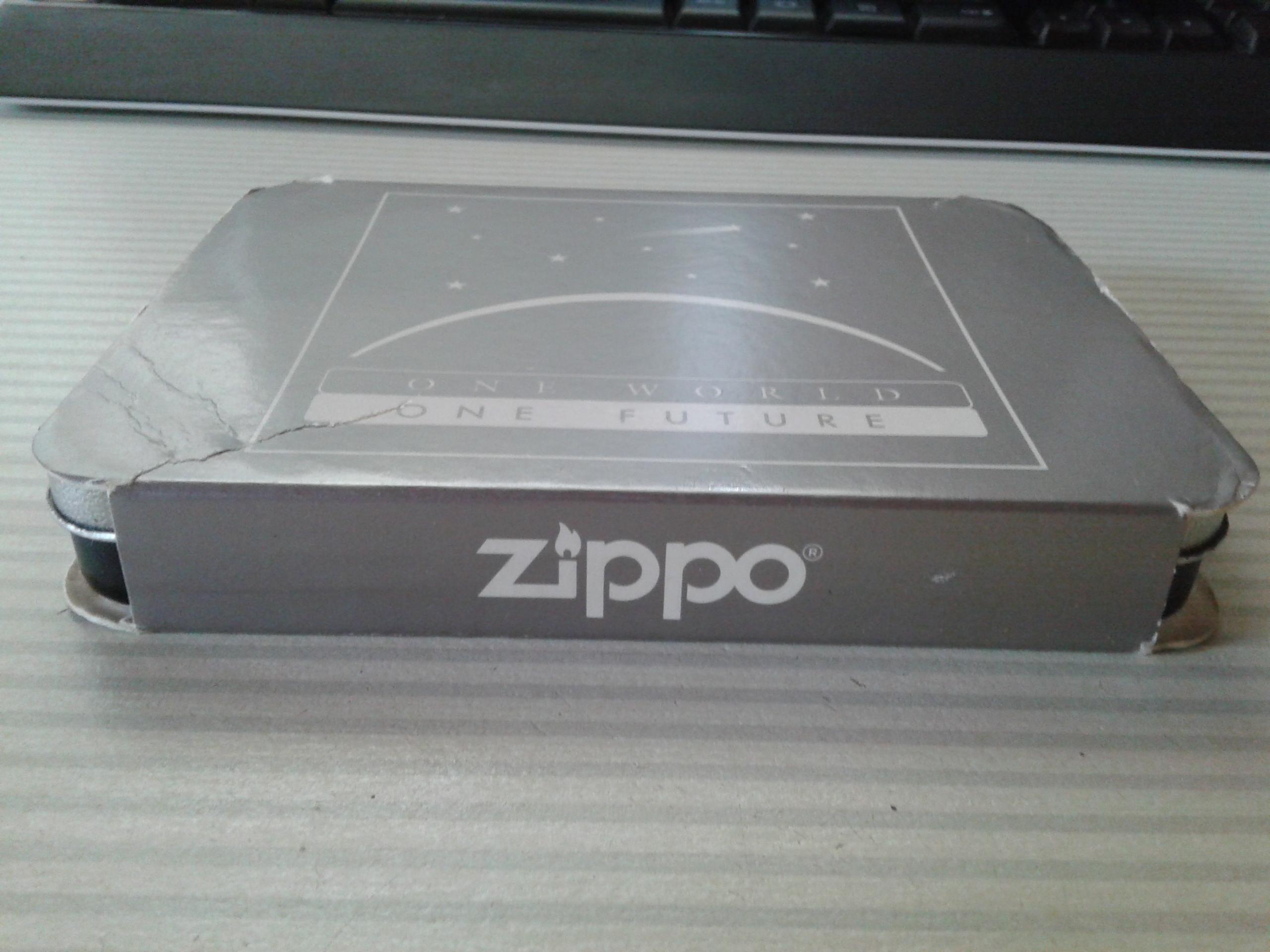 Les boites Zippo au fil du temps - Page 2 674295Titanium2