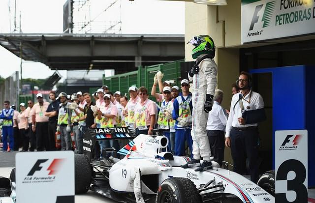 F1GP du Brésil 2014 : Victoire Nico Rosberg 6744112014massa2
