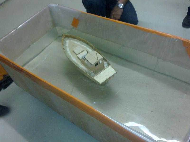 barque chalutiére au 1/20è d'après plans - Page 4 67462122032011121