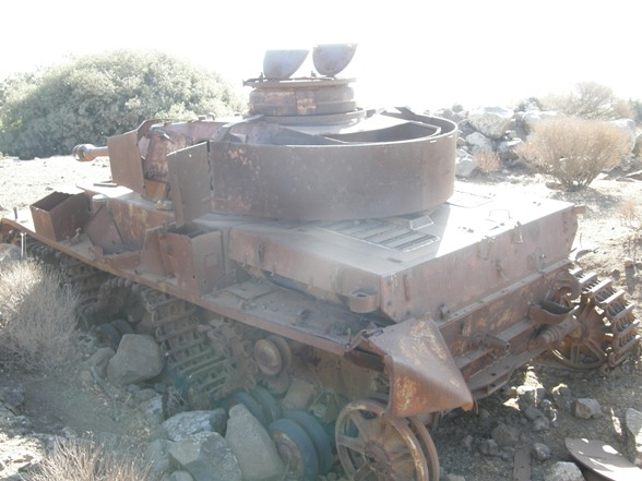 Les Panzer IV ausf H syriens !!! 676891kopiapa010566sk3jpg1