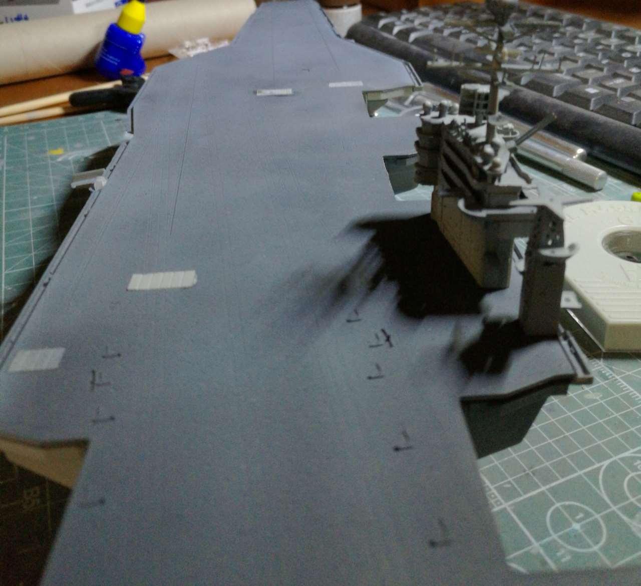 USS Theodore ROOSEVELT CVN-71 [Trumpeter 1/700] - Page 4 678857cvn7158