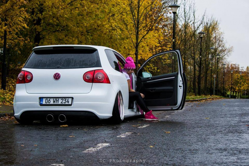 Volkswagen et ses donzelles ... - Page 36 6807241454774327396937401378179565609n