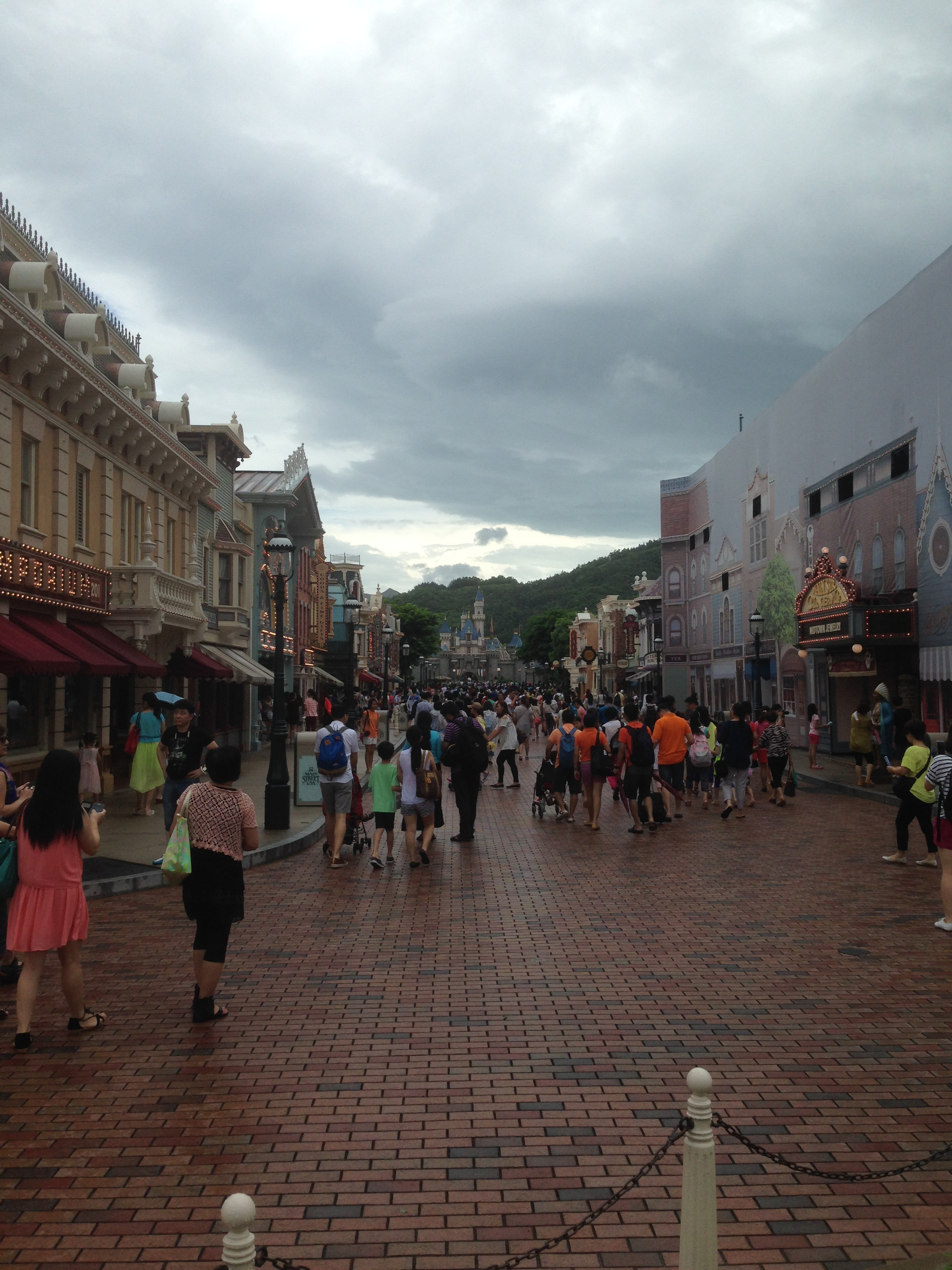 A la découverte d'Hong Kong Disneyland Resort : mes impressions - Page 3 681869IMG5466