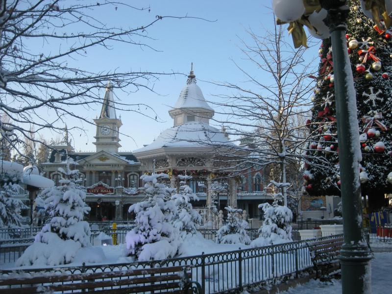 [Disneyland Paris] Disneyland Hotel - chambre Castle Club (8-10 décembre 2010) (début du TR p.9) - Page 9 683433IMG2148