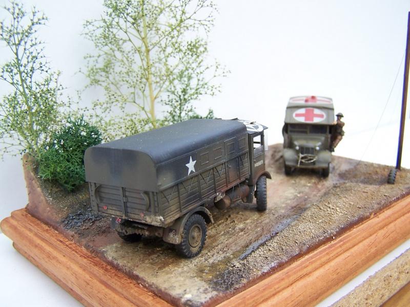 """AEC Matador et Ambulance Austin K2 """"au détour d un chemin"""" 689306MatadorAustinK2039"""