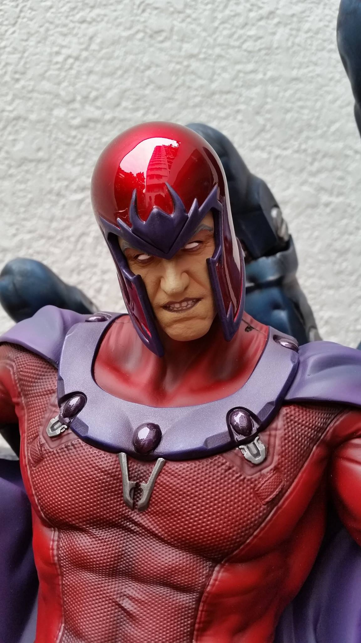 Premium Collectibles : Magneto on Sentinel Throne - Page 5 6899921042819914011597434380541608503747921316617o