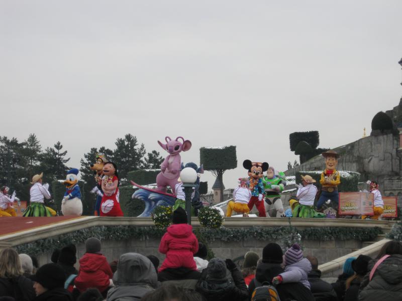 [Disneyland Paris] Disneyland Hotel - chambre Castle Club (8-10 décembre 2010) (début du TR p.9) - Page 10 690199IMG2538