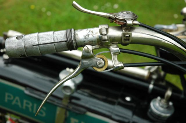 Moto René Gillet 750 type G 1929 - Page 7 692708DSC9479