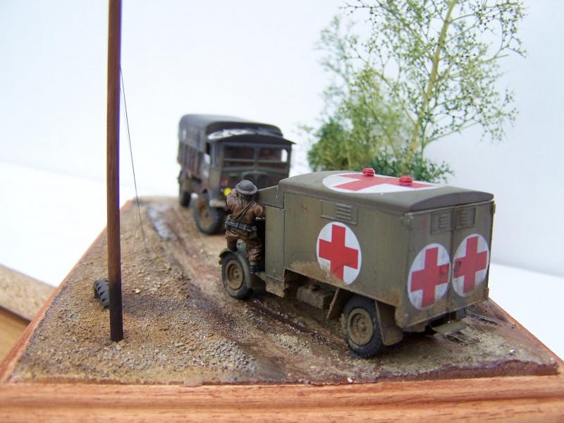 """AEC Matador et Ambulance Austin K2 """"au détour d un chemin"""" 702660MatadorAustinK2036"""