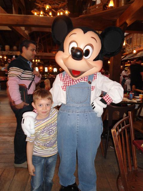 Un anniversaire chez Mickey les 9 & 10 juin 2011 - Hôtel Cheyenne  704881DSC00487