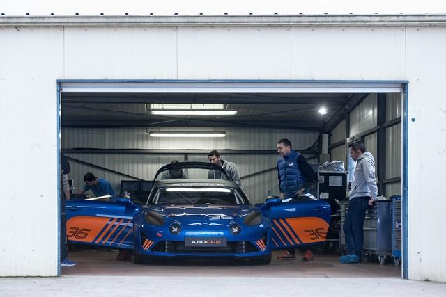 Alpine A110 Cup : une authentique voiture de course, taillée pour les plus grands circuits européens 708094211987262017AlpineA110Cup