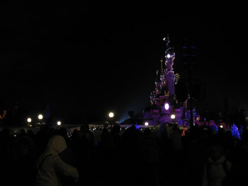 [Disneyland Paris] Disneyland Hotel - chambre Castle Club (8-10 décembre 2010) (début du TR p.9) - Page 10 709601IMG2327