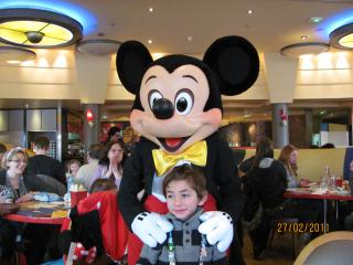 [Disneyland Paris] Découverte et enchantements d'une first timer (25-27 février) - Page 7 712311CafMickey721