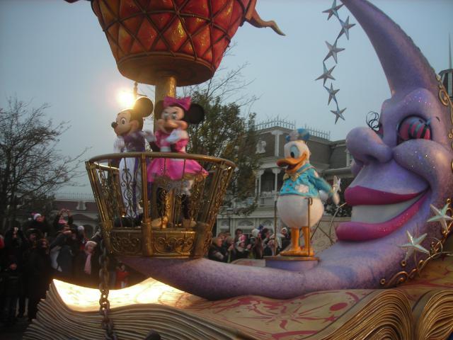 [Disneyland Paris] Premier séjour au DLH (31 janv.-2 fév. 2011) + un anniversaire inoubliable ! - Page 4 719934233
