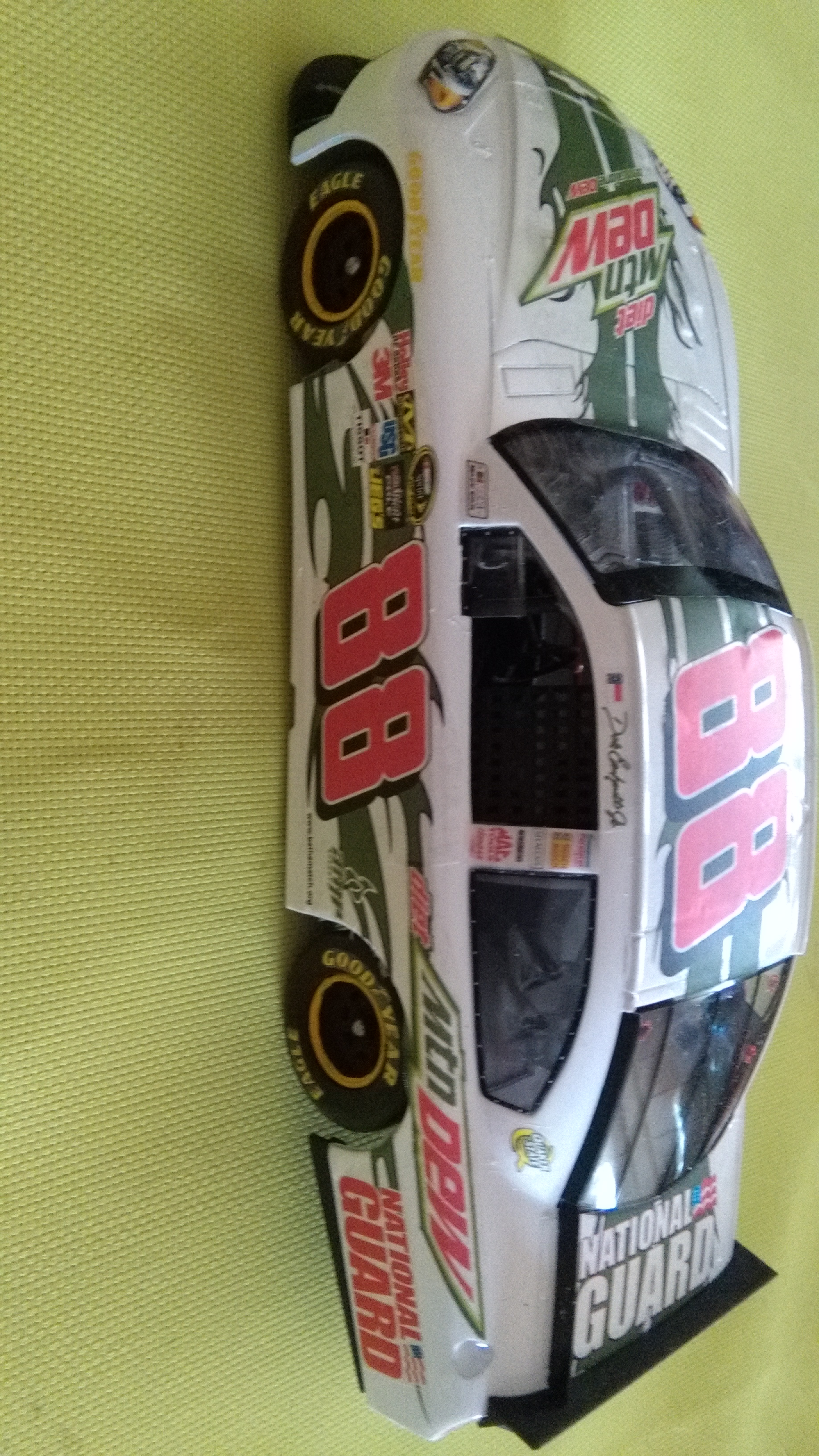 Chevy Impala 2010 #88 Earnhardt jr Mountain dew diet 720502IMG20160320150407