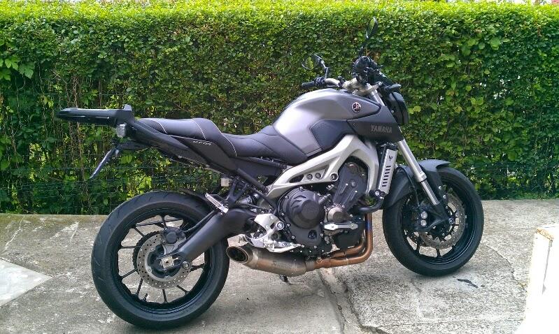 Photos de toutes les Yamaha MT-09 du forum ! :) 724686YVini
