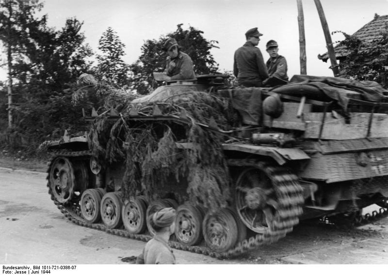 Sturmgeschütz III(German) 725785Bundesarchiv_Bild_101I_721_0386_07__Frankreich__Sturmgesch_C3_BCtz_III