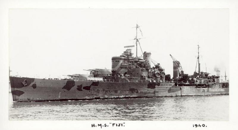 ROYAL NAVY CROISEURS LEGERS CLASSE CROWN COLONY 726829HMSFiji19402