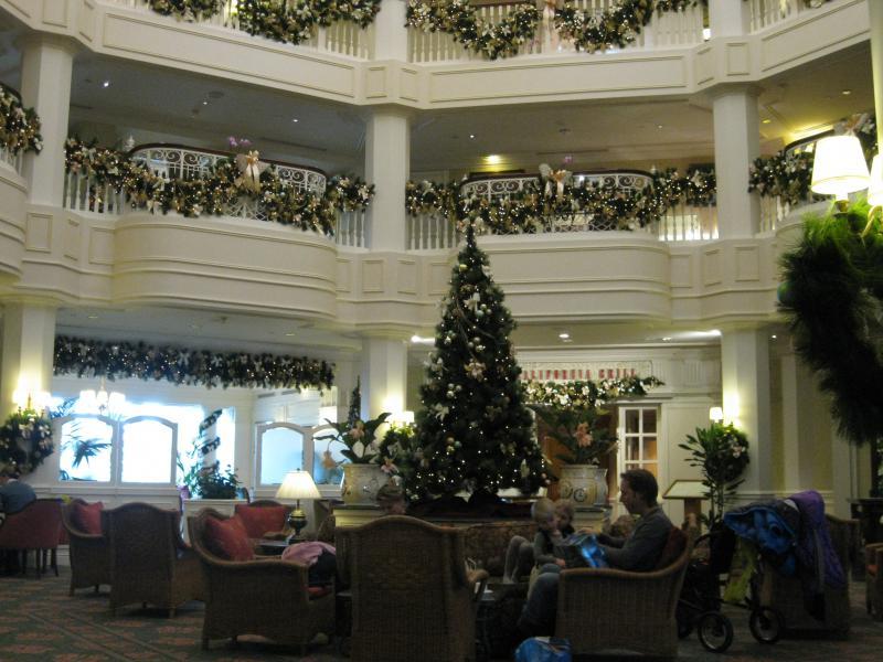 [Disneyland Paris] Disneyland Hotel - chambre Castle Club (8-10 décembre 2010) (début du TR p.9) - Page 10 728447IMG2484