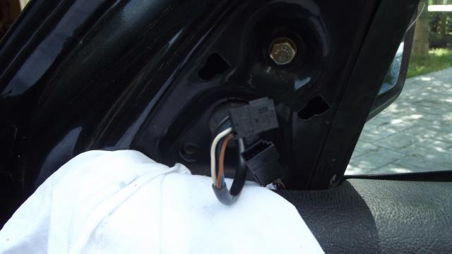 [BMW E36] Remplacement du rétroviseur extérieur 7319647tissudeprotection