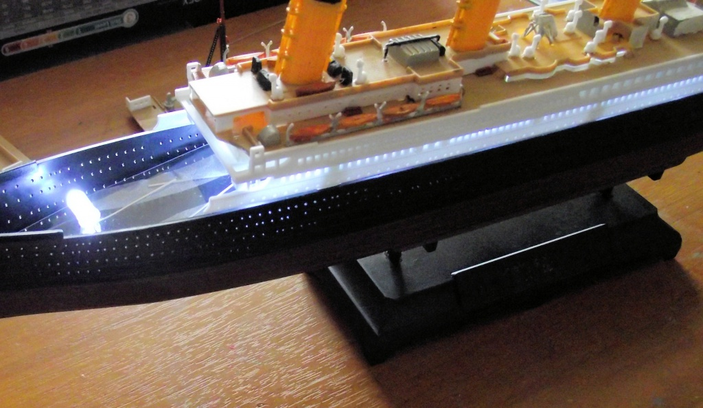 Titanic Academy au 1x700 avec leds 734516TitanicAcademy9