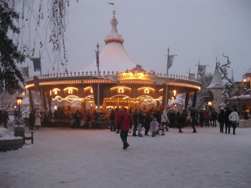 [Disneyland Paris] Disneyland Hotel - chambre Castle Club (8-10 décembre 2010) (début du TR p.9) - Page 8 735773IMG2032