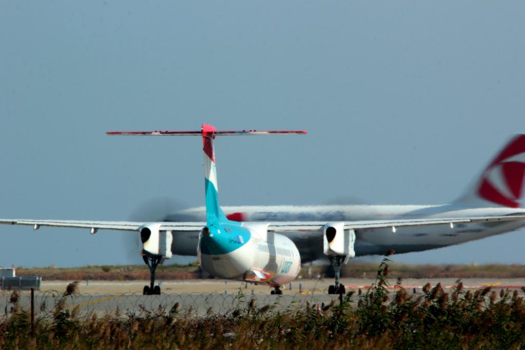 Aéroport de Nice Côte d'Azur , [LFMN-NCE] - Page 6 741205IMG0113