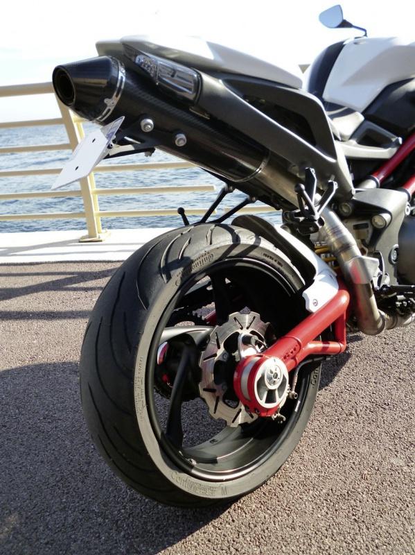 TnT 899 (2011) Red & White 743955P1020195LR