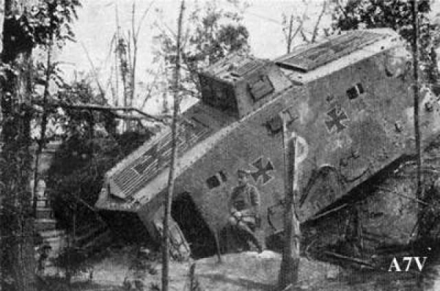 A7V [TAURO MODEL 1/35e] Le premier Panzer 743990DEU_20__20A7V_20_01_