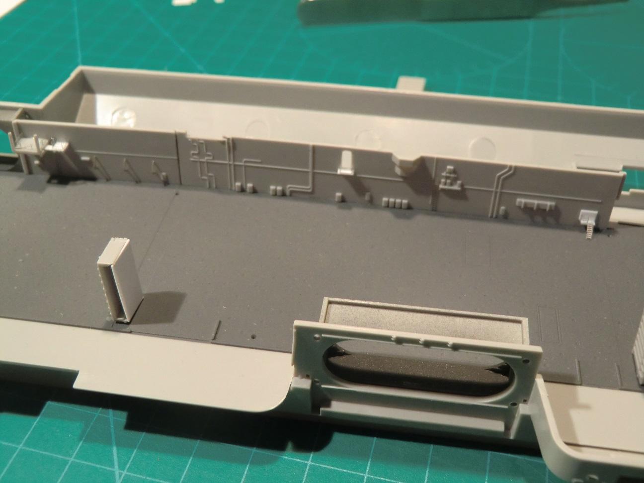 CVN 68 USS Nimitz Trumpeter 1/700  - Page 5 744509Nimitz33