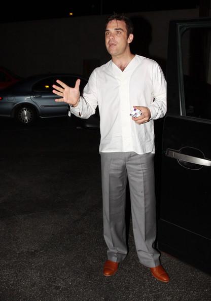 Robbie à Los Angeles 12-01-2011 746616RobbieWilliamsRobbieWilliamsLecturingc4XkSiYitcl