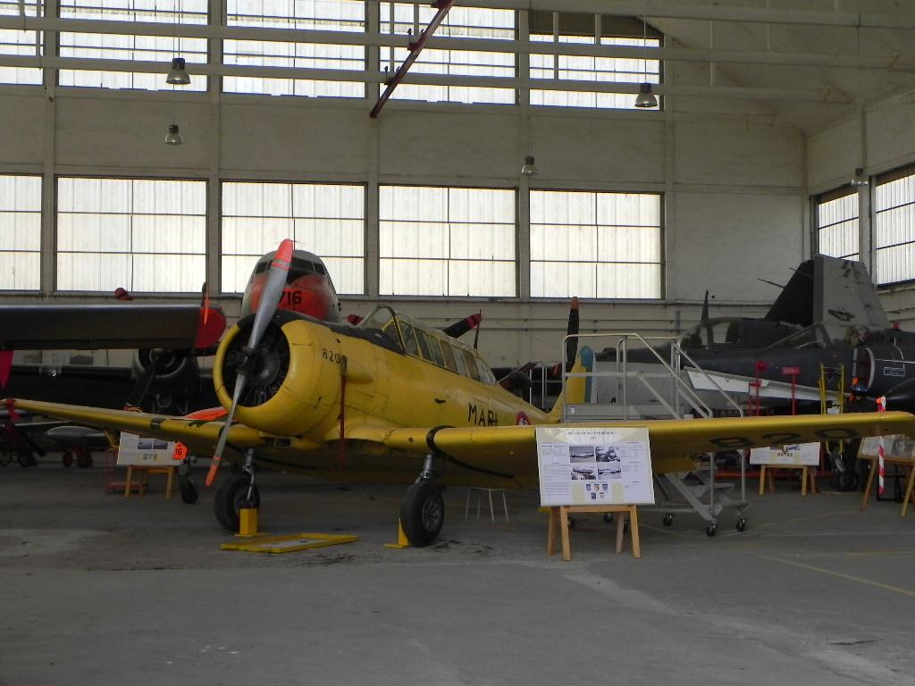 [ Les Musées en rapport avec la Marine ] Musée de l'Aeronautique Navale de Rochefort - Page 10 748782HarvardIIc