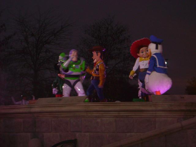 [Disneyland Paris] Premier séjour au DLH (31 janv.-2 fév. 2011) + un anniversaire inoubliable ! - Page 4 756989251