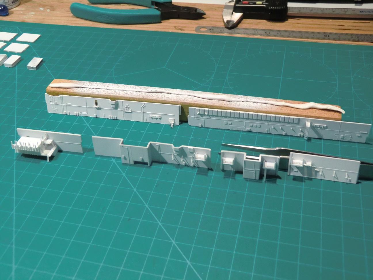 CVN 68 USS Nimitz Trumpeter 1/700  - Page 5 757530Nimitz41