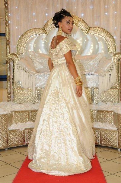 فساتين تقليدية للعروس الجزائرية-----سطايفي 758932blouzablanche