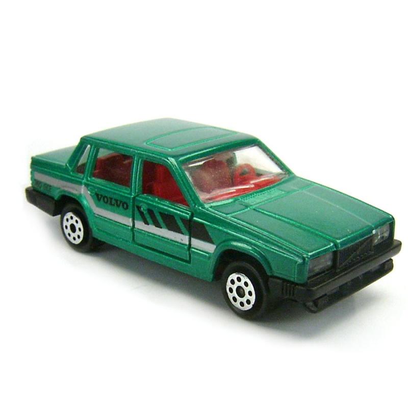 N°230 Volvo 760 GLE 759597119