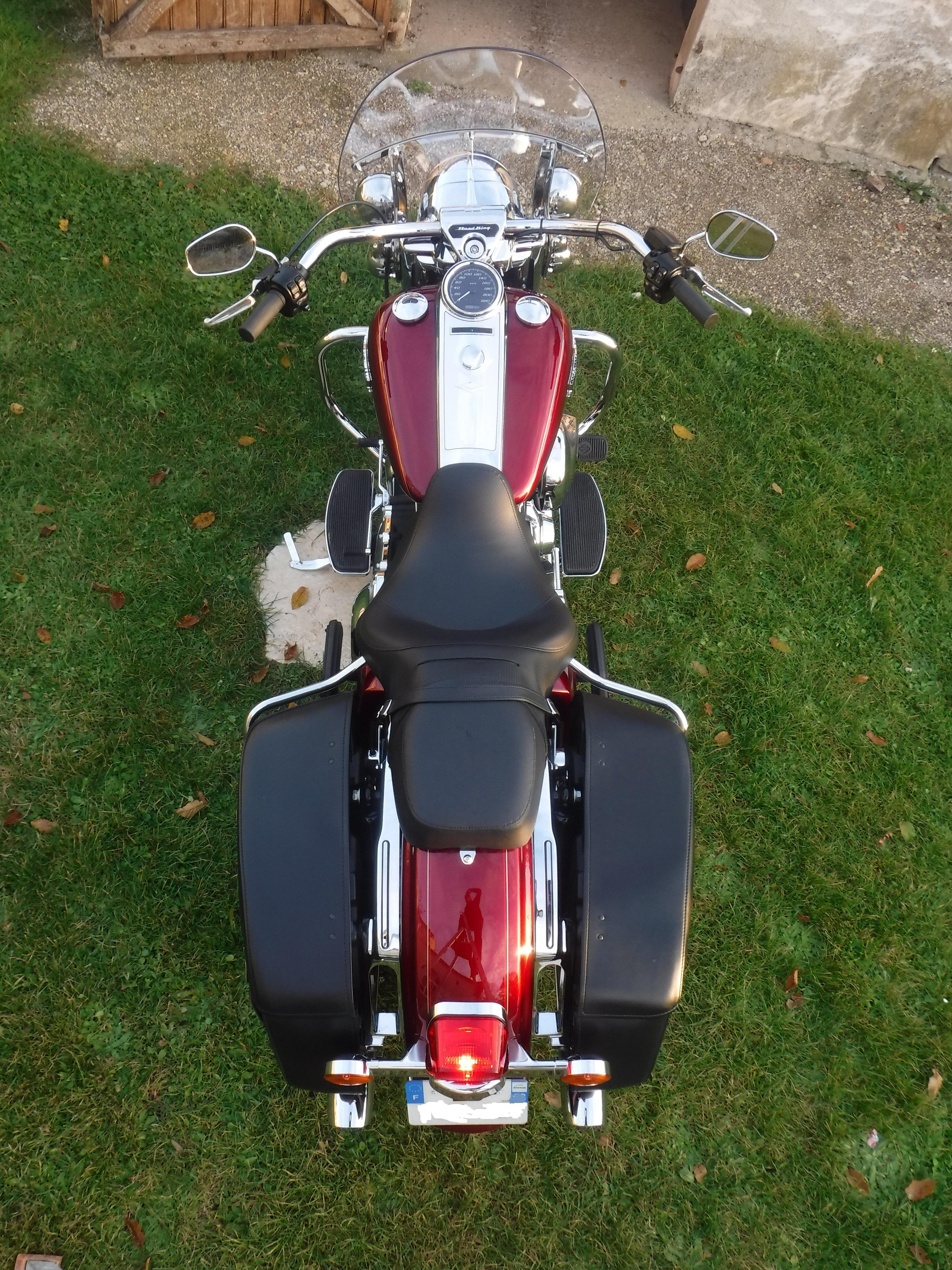 Road King uniquement, combien sur Passion-Harley  - Page 39 760073DSCF5095