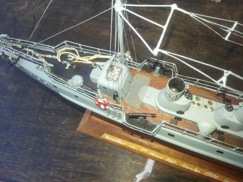 le contre torpilleur la Bombarde de 1903 et le torpilleur numéroté 340 de 1904 77447120160907135747