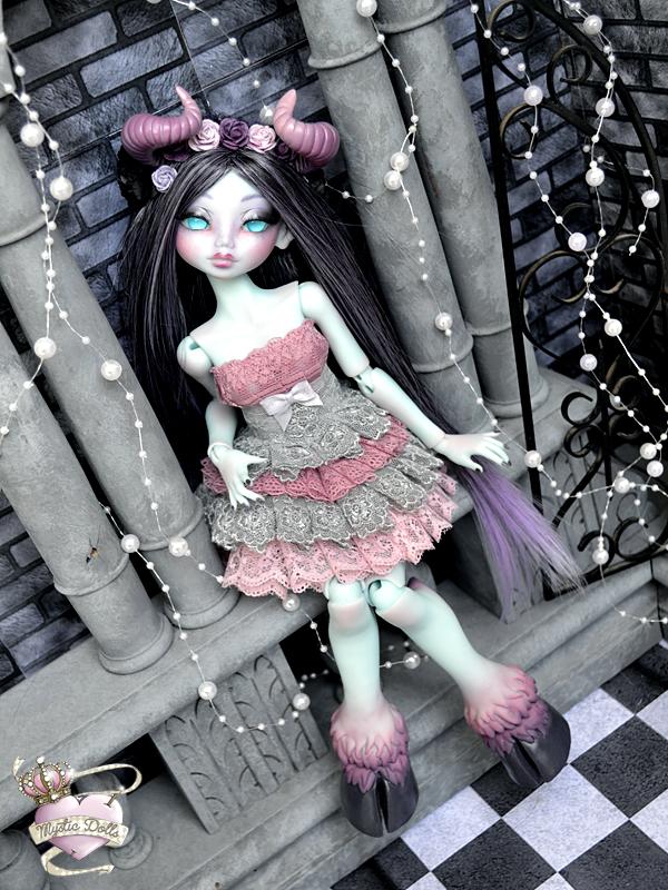 [Créa] † Mystic Dolls † : Réservations ouvertes ! 776546LysriaDreamingDemonLDoll01